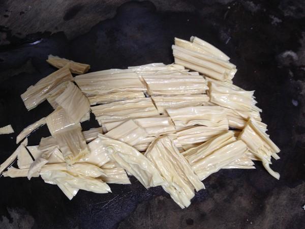 五花肉烧腐竹的做法图解