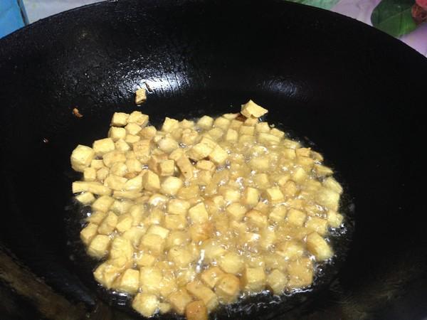 豆腐丁鸡蛋酱怎么炒