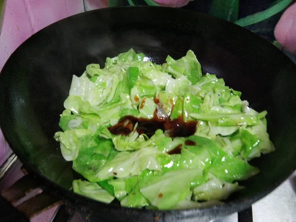 蚝油包菜炒油条怎么炒