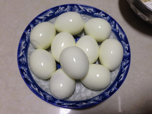 肉汤卤蛋的步骤