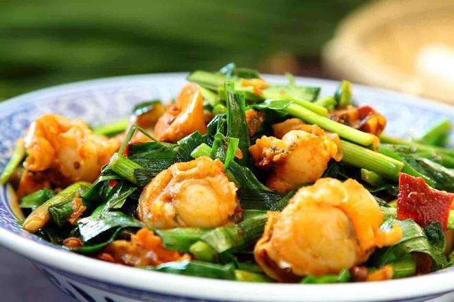韭菜炒扇贝成品图