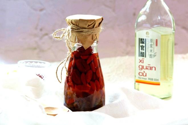 葡萄干红枣醋的简单做法