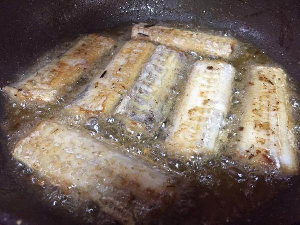 腐竹炖带鱼怎么煮