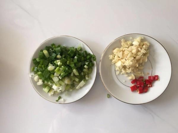 蒜蓉腊肠金针菇怎么吃