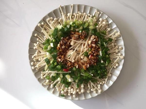 蒜蓉腊肠金针菇怎么煮