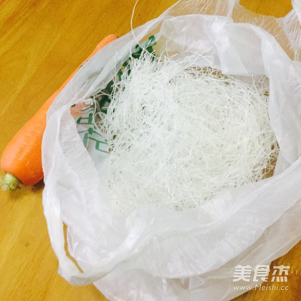 胡萝卜炒粉丝的做法大全