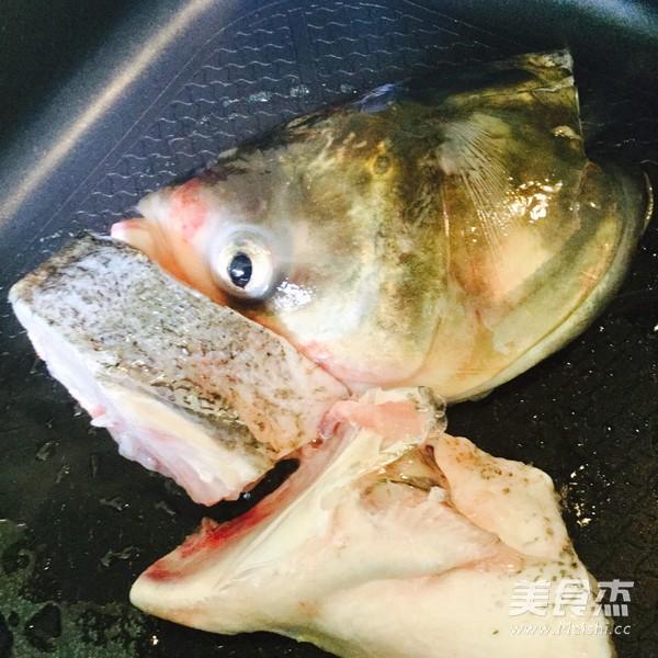 天麻炖鱼头怎么吃