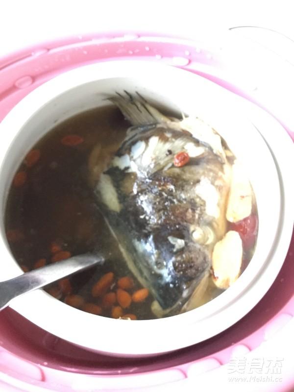 炖鱼头汤怎样煸