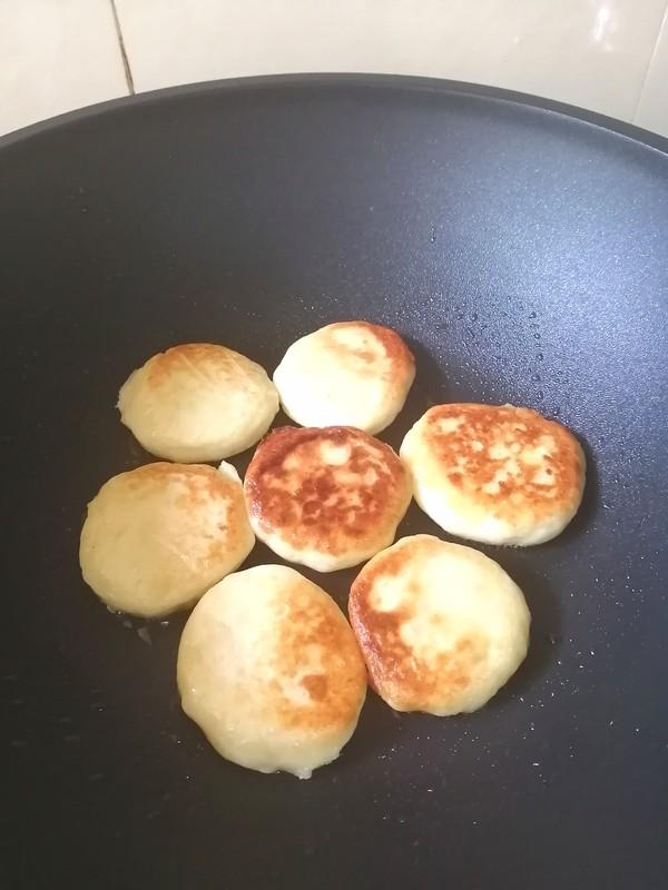 来点新意思~~奶香土豆饼怎样煮