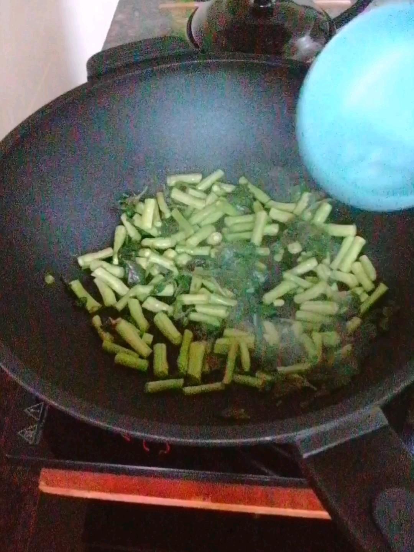 豆角炒面条怎样煮