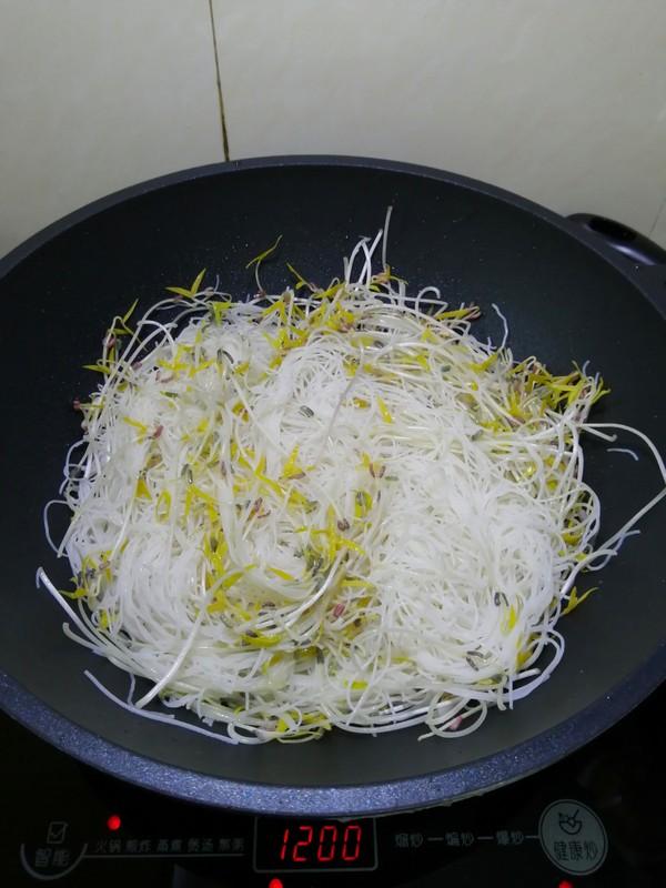 绿豆芽苗菜炒米粉怎么炒