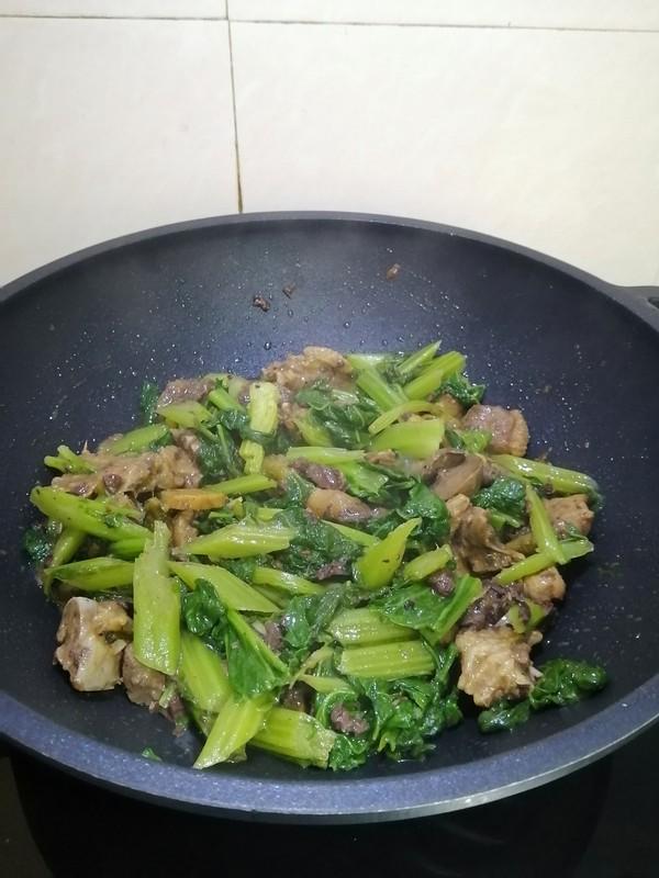 剩菜变美味~~芥菜焖青头鸭怎么煮