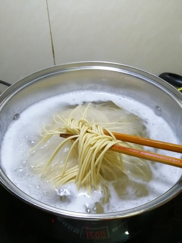 三分钟搞定的早餐~~虾米青菜汤面的做法图解