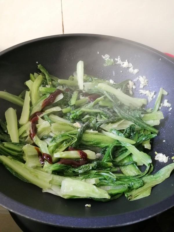 简简单单也不失美味~~清炒油麦菜的简单做法