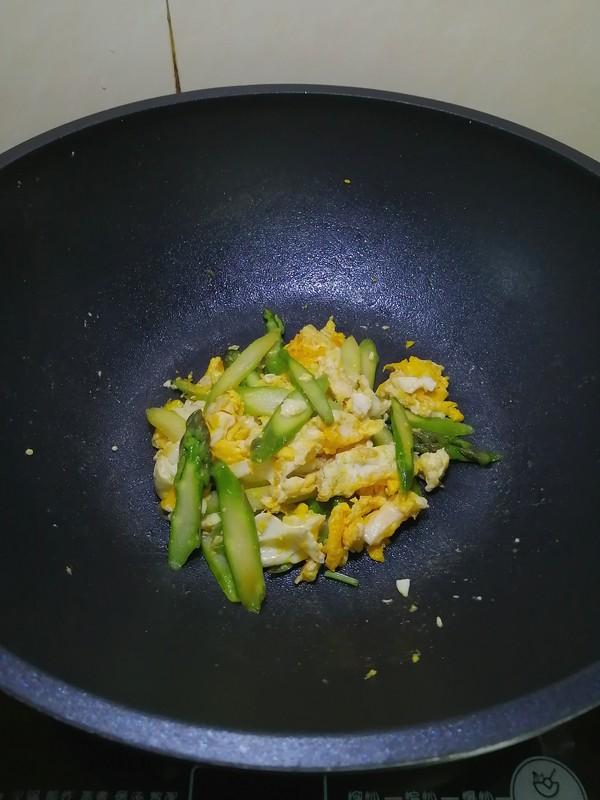 简简单单也不失美味~~芦笋炒鸡蛋怎样煮