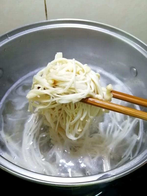 简简单单也不失美味~~金针菇豆腐煲怎样炖