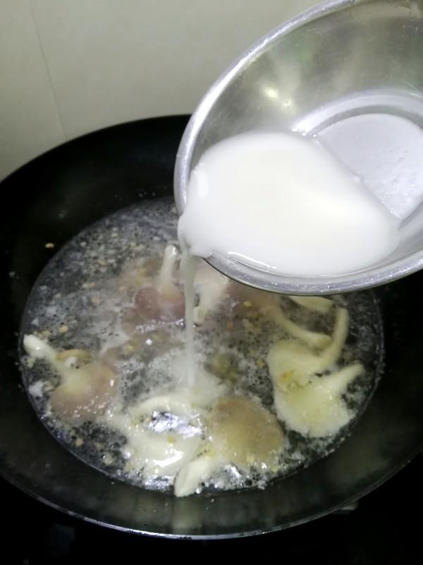 简简单单也不失美味~~平菇鸡蛋汤的制作