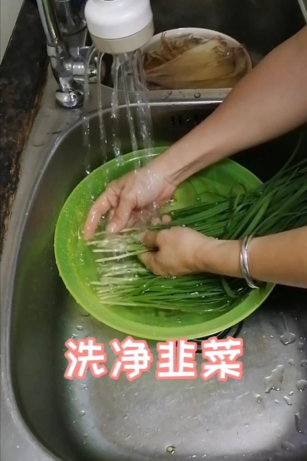 简简单单也不失美味~~韭菜炒鱿鱼的做法图解