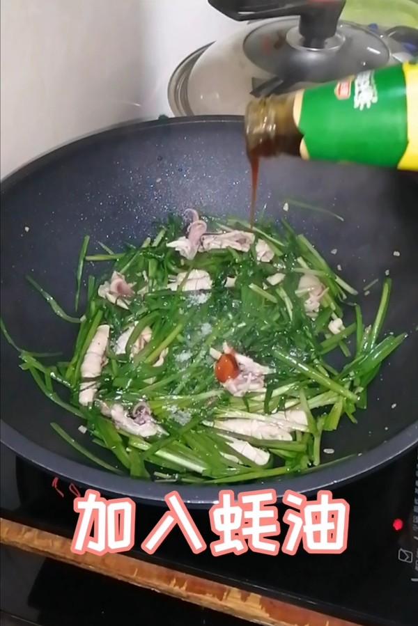 简简单单也不失美味~~韭菜炒鱿鱼的制作
