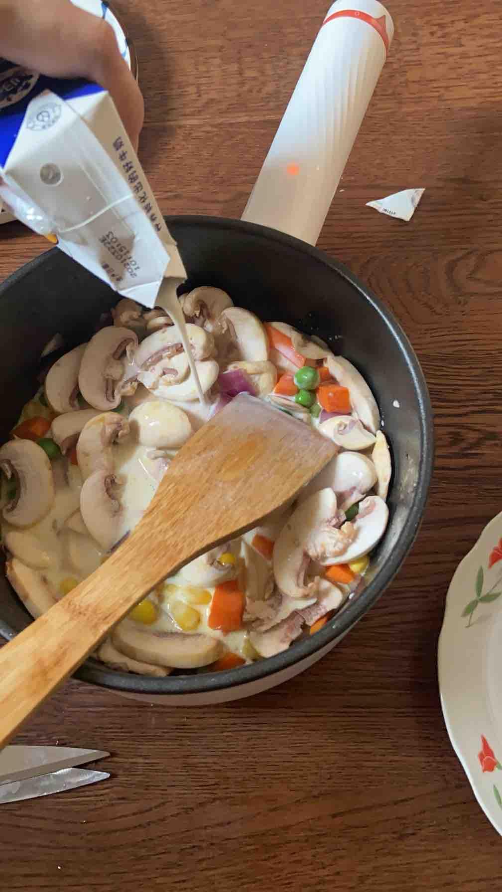 不正宗却快手好吃——低卡田园蘑菇浓汤的步骤