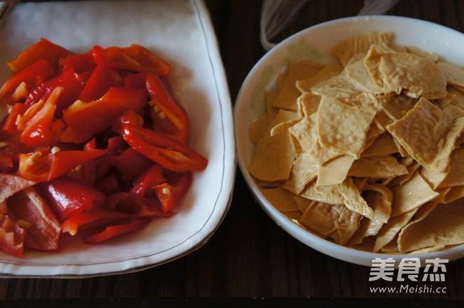 尖椒炒豆腐皮的做法图解