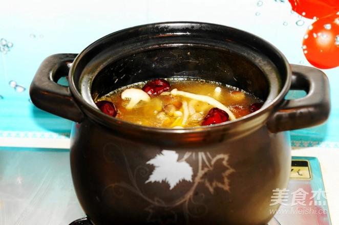 排毒养颜——鸡腿菌菇汤怎么煸