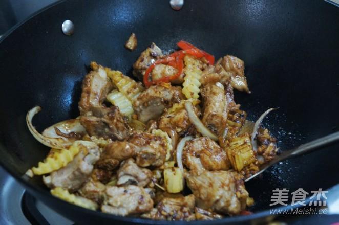 干锅排骨土豆片怎么煮