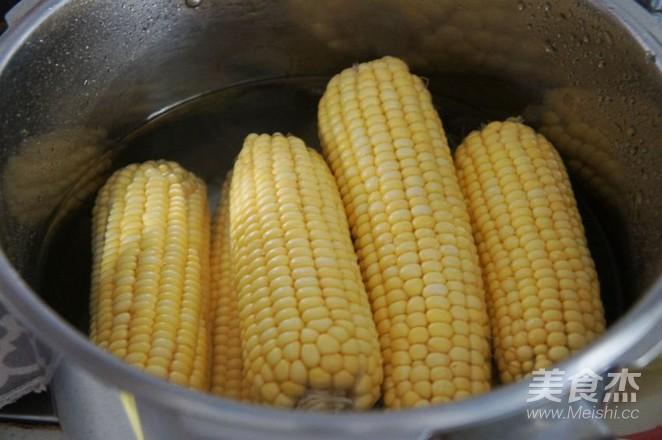 水煮甜玉米的做法图解