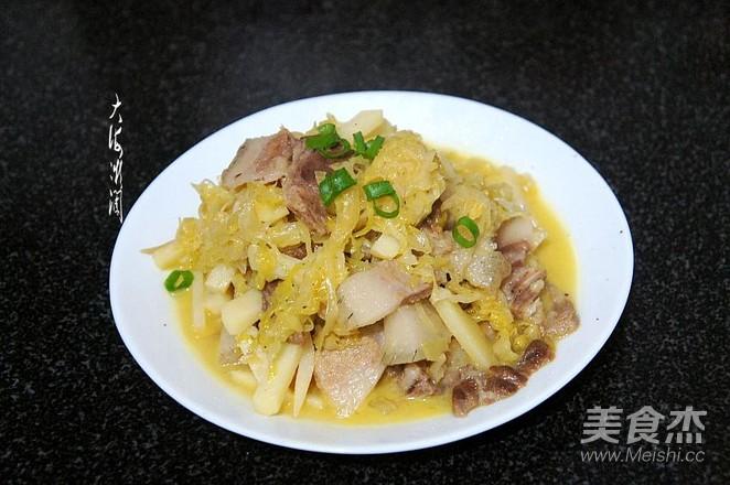 酸菜猪肉炖土豆怎么炒