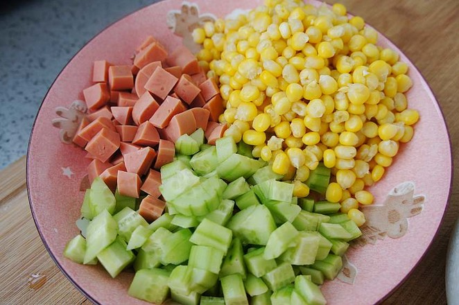 嫩玉米粒炒火腿肠的做法图解