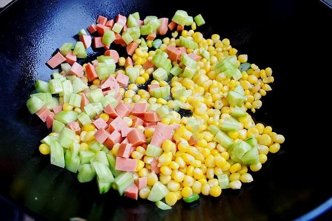 嫩玉米粒炒火腿肠的简单做法