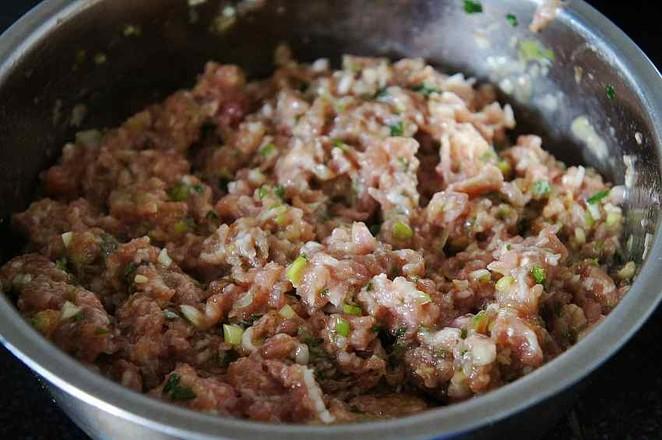荠菜猪肉馅煎饺的简单做法