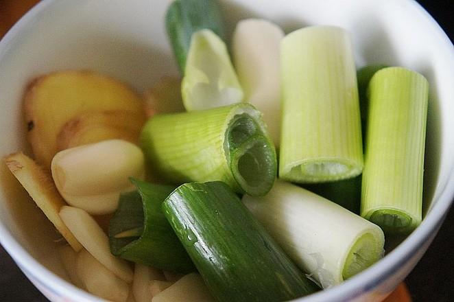 黄豆焖猪手的简单做法