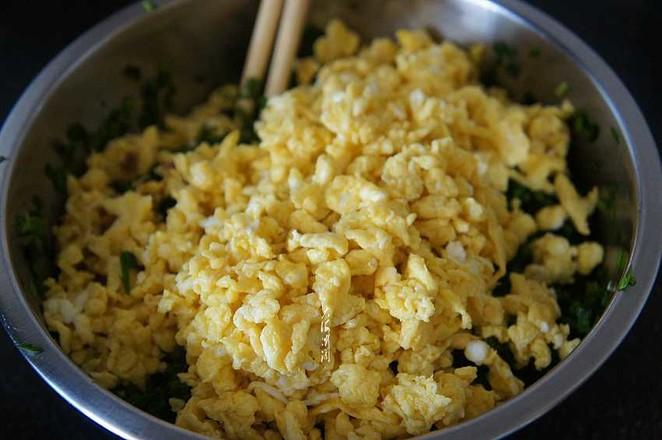 韭菜鸡蛋馅煎饺的简单做法