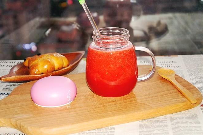 榨西瓜汁成品图