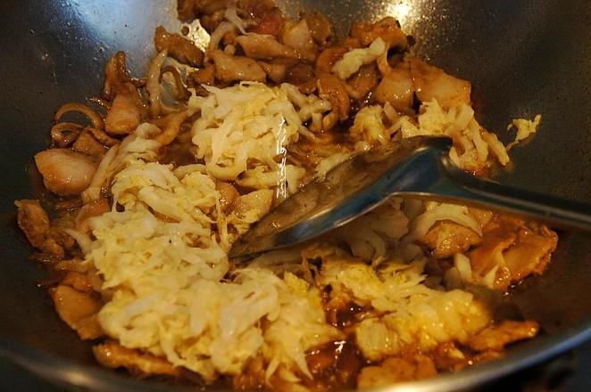 酸菜猪肉炖冻豆腐怎么炒
