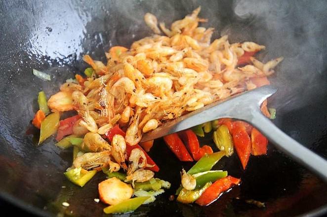 青椒炒小河虾的简单做法
