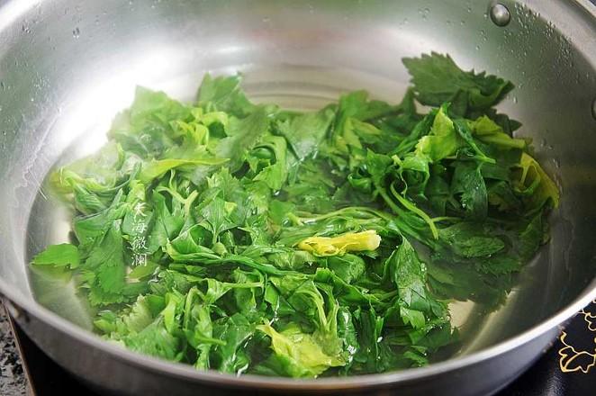 蒜香芹菜叶的家常做法