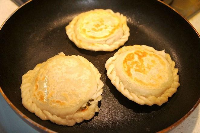 烫面香椿鸡蛋馅饼怎样做