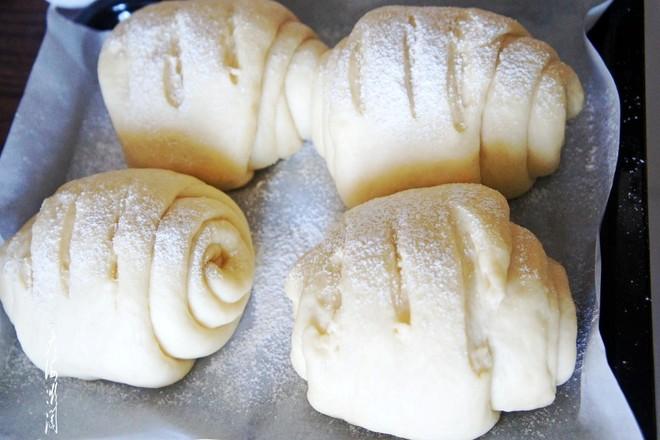 玫瑰豆沙馅面包怎么炒