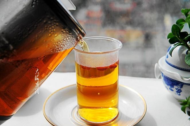 秋天女人常喝点红茶,暖体抗寒,皮肤滋润气色好的步骤