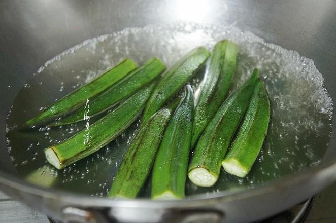 冻豆腐炒秋葵的做法图解