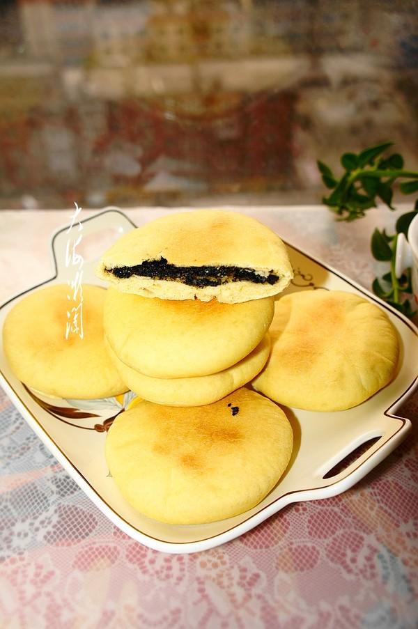 黑芝麻馅燕麦早餐饼成品图