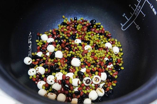 红豆莲子汤,消暑解渴还排毒的步骤