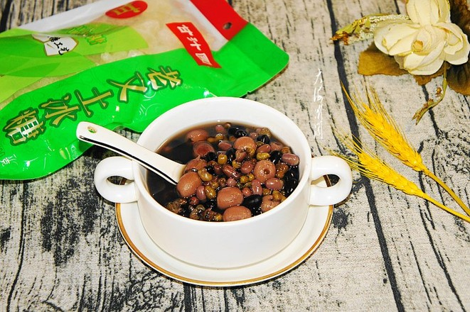 红豆莲子汤,消暑解渴还排毒成品图