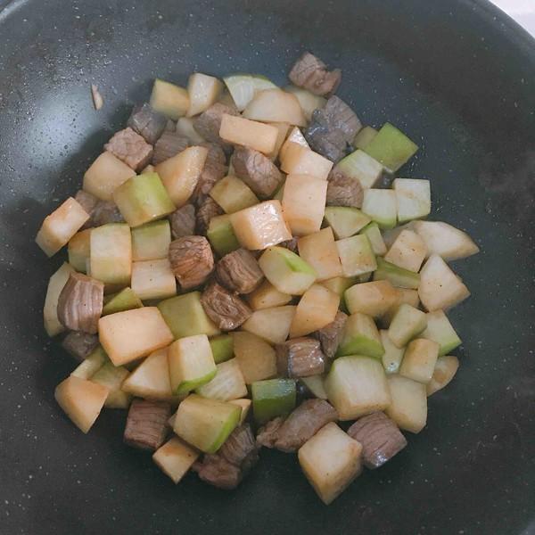 牛肉萝卜炖土豆的简单做法