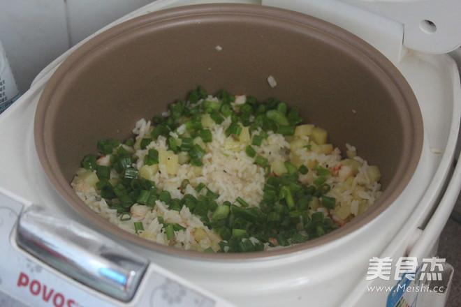土豆虾仁焖饭怎么炒