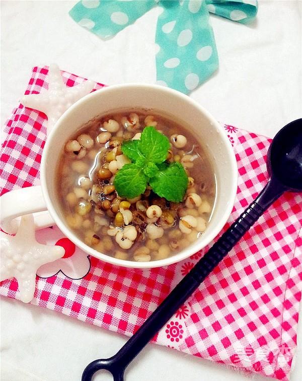 绿豆薏米粥成品图