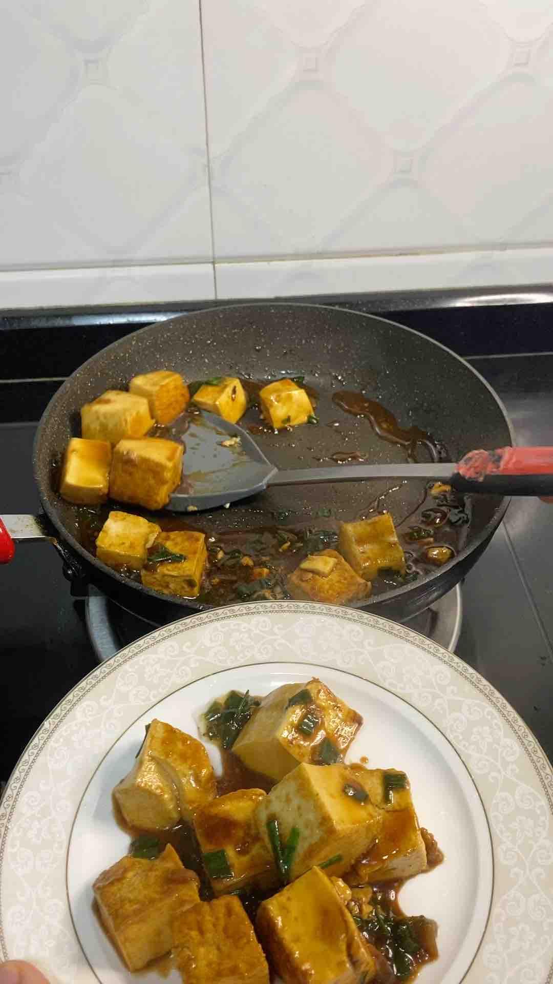 香葱焖豆腐怎么做