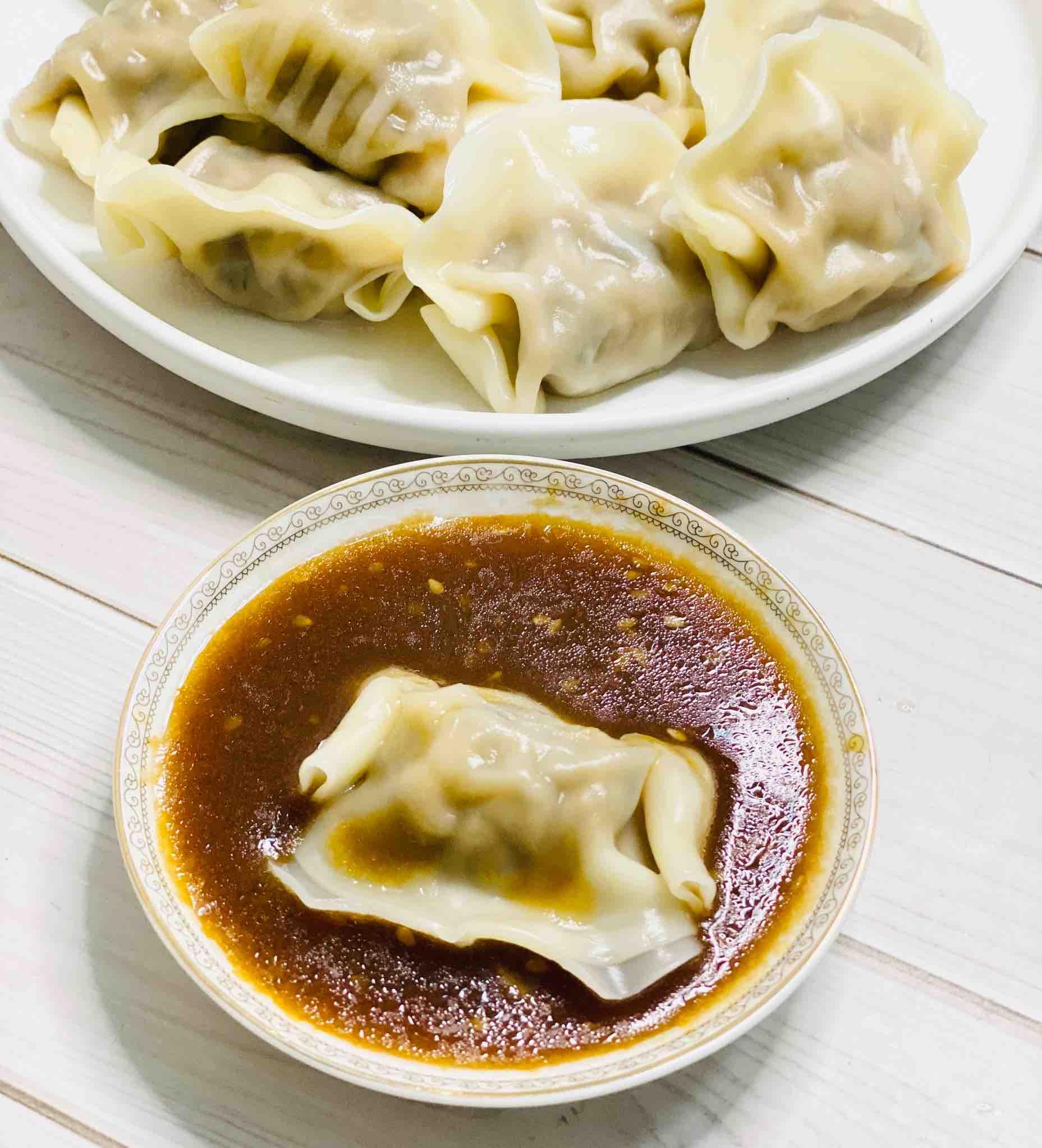 三鲜水饺,蘸万能酱汁很美味怎么煮